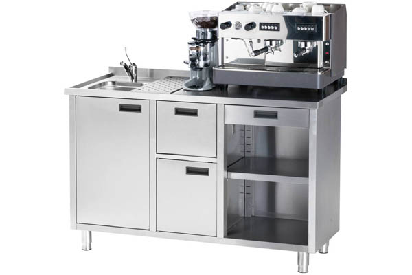 Kaffeestation mit Spülbecken und Kaffeemaschine